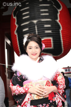 歌恋カレン 成人式 振袖の着物で浅草寺にお参り