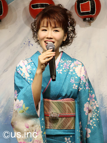 大沢桃子「イギリス海岸」歌唱キャンペーン01