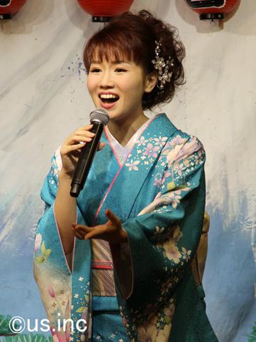 大沢桃子「イギリス海岸」歌唱キャンペーン02