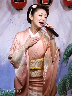 大石まどか 新曲『居酒屋「津軽」』キャンペーン01