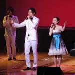 純烈&西田あい 無数の紙テープが飛び交う!昭和歌謡の魅力が満載の楽しい初コラボコンサート