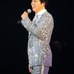 三山ひろし 5周年記念コンサート 華麗な腰つきでダンスも披露!?