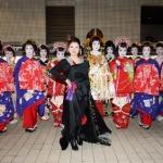 森昌子 「おいらん道中」パレードに和洋折衷の花魁姿で参加