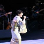 """抜群の""""カッコよさ""""で観客を魅了! 神野美伽、『コンサート2015』で改めて実力の高さ示す"""