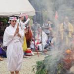 森山愛子が地元・栃木県の「那須波切不動尊火まつり」に初参加。荒行に挑戦