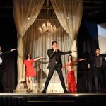 川﨑麻世が32年ぶりの新曲「無条件」を発売し、39周年記念パーティー。妻・カイヤもお祝いに
