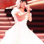 水森かおりがデビュー20周年記念メモリアルコンサート。昨年のNHK紅白歌合戦で着た巨大衣装を再現