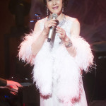 坂本冬美が大ヒットシリーズ第6弾「Love Songs Ⅵ」発売記念ライブ。話題の「片想い~」初披露