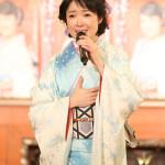 田川寿美がファン50人と一緒に東京大神宮でデビュー25周年記念曲「倖せさがし」ヒット祈願。紅白復帰宣言
