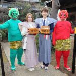 ■山本あきとパク・ジュニョンが東京・護国寺で豆まき。ミニライブではそれぞれの新曲など各4曲熱唱