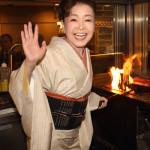 ■中村美律子が土佐高知の料理店で30周年記念曲第1弾「土佐女房」発表懇親会。鰹のタタキ造りにも挑戦