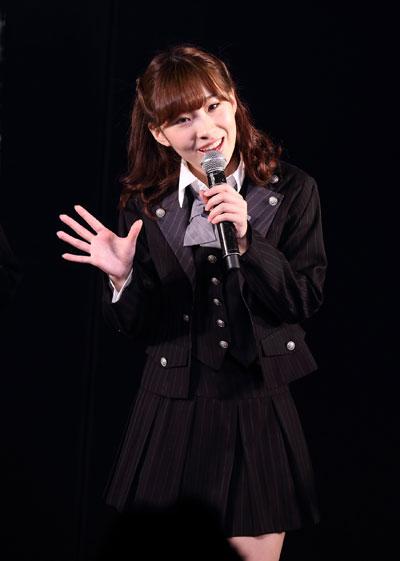 卒業公演の岩佐美咲の衣装