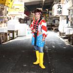 ■大城バネサが東京・築地市場最後の「築地市場まつり」で熱唱ライブ。新曲「逢いたい島」絶好調