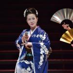 ■坂本冬美が東京・NHKホールで30周年記念リサイタル。全20曲を熱唱し、3500人のファンを魅了