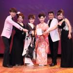 ■島津悦子ら全6アーティストが熊本復興支援コンサート。熊本にパワーを届けながら全40曲熱唱。弦哲也さん、大島親方も応援に