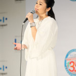 ■夏川りみが新曲「あしたの子守唄」発売記念イベント。5年ぶりのシングルで、宮沢和史とのコラボ作品