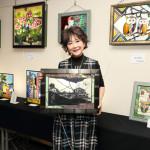 ■芹洋子がステンドグラス作品展に2作品出展。27日まで開催。その一つを大分・竹田市の法華院温泉山荘に寄贈