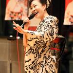■岡ゆう子が新曲「くれない紅葉」ミニコンサート&岡千秋カラオケレッスン会。最高齢94歳も参加