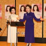 ■川奈ルミが、デヴィ夫人が初めて作詞した新曲「貫く 愛」を公開レコーディング。セリフ&題字でも参加