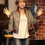 ■山本あきが今年初のマンスリーライブを蒲田のライブハウスで。アコースティックな昭和歌謡熱唱