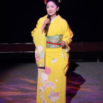 ■石川さゆりが39年ぶりに熊本・水俣市でコンサート。イチロー選手のバットをプレゼント