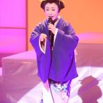 ■真木柚布子が演歌ミュージカル一人芝居「知覧のホタル」&歌謡ショーで熱演・熱唱