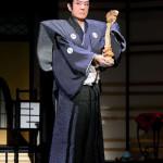 ■舟木一夫が新橋演舞場12月公演のゲネプロ公開。尾上松也、里見浩太朗ら豪華キャストで12月2日から上演