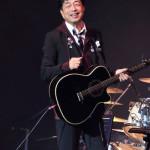 ■中村雅俊が東京・中野サンプラザホールでコンサート総本数1500回突破記念公演。ステージ上で鏡割りも