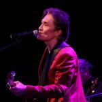 ■織田哲郎がFC限定バースデーイベント。サプライズで髙橋みなみがトークゲストに。ライブで全8曲熱唱