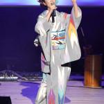 ■椎名佐千子がドラマティックコンサート。平成のおんなギター流し・おかゆとステージ初共演