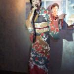 ■デビュー40周年の岡ゆう子が同記念シングル「雪の花哀歌」発表会。作曲の岡千秋氏も応援に