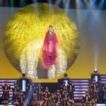 ■水森かおりが東京・中野サンプラザでメモリアルコンサート。昨年話題になった紅白の衣装を再現