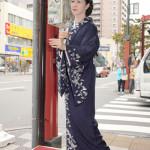 ■坂本冬美が原点に戻って31年ぶりに路上キャンペーン決行。サプライズに通行人たちは大喜び