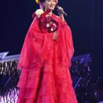 ■市川由紀乃が東京・浅草公会堂で単独リサイタルを開催。25年の集大成ステージで全20曲熱唱。横山剣とデュエットも披露