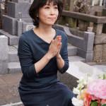 ■水森かおりが亡き恩人・徳間康快元社長の墓前に「NHK紅白歌合戦」16年連続16回目の出場を報告