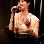 ■歌謡曲の歌姫・伊藤美裕が毎年恒例の冬のワンマンライブで70年代シティポップスを中心に全17曲熱唱。来春には新作発表を