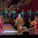 ■松平健が名古屋・御園座で1月9日発売の新曲「マツケン・アスレチカ」披露。中村美律子と舞台では初共演