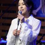 ■山本あきが45回目のマンスリーライブ。昭和歌謡のカバー曲を中心に熱唱。20数年ぶりにドラムに挑戦
