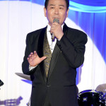 ■北川裕二がデビュー35周年記念ディナーショー。師匠の作曲家・弦哲也さんとデュエットも披露