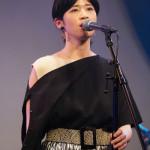 ■伊藤美裕が32歳のバースデイ・ソロ・ライブ。4年ぶりの新曲「Believer」を初披露。大石吾朗がトークゲストに