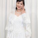 ■市川由紀乃が大阪・新歌舞伎座初座長公演のリハーサルを公開。芝居の挙式シーンで着るウエディングドレス姿をひと足早く披露