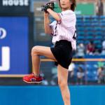 ■氷川きよしがプロ野球「東京ヤクルト×阪神戦」で始球式。新曲「大丈夫」と応援歌「東京音頭」も披露