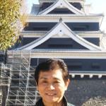 ■福田みのるが地元・熊本市でクリスマス・ディナーショー。熊本城を訪れ、しゃちほこが設置された姿を見て大感激