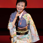 ■岡ゆう子がデビュー40周年記念コンサート。記念曲第2弾「蛍火哀歌」が1万5000枚を突破