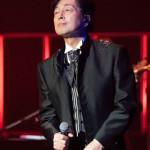 ■中村雅俊が45周年記念コンサートツアーの東京公演を中野サンプラザで開催。小椋佳と松山千春のカバー曲も披露