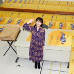 ■市川由紀乃が1500枚のポスターに直筆サインを入れながら三陸宮古に熱いエールを。よみぃと初コラボしたポップス曲がYouTubeで大反響