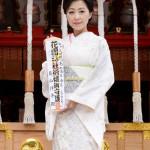 ■長山洋子が東京・花園神社で新曲「あの頃も 今も~花の24年組~」ヒット祈願。団塊世代へエールを。11月からコンサートも再開