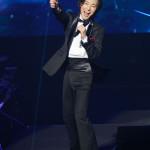 ■山内惠介が念願の日本武道館でデビュー20周年記念リサイタル。全5都市でのリサイタルツアーファイナルで全26曲熱唱