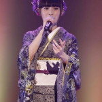 ■グラビアもできる演歌歌手・望月琉叶がバレンタインデーに初のコンサート。民族ハッピー組が応援に