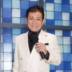 ■福田みのるが64歳のバースデー・ディナーショーで全18曲熱唱。先輩歌手の北野都がお祝いに。